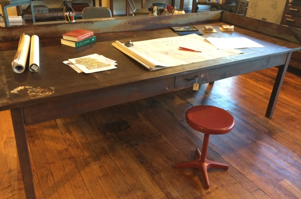 Yellow Chair Market » Metal Art Desk